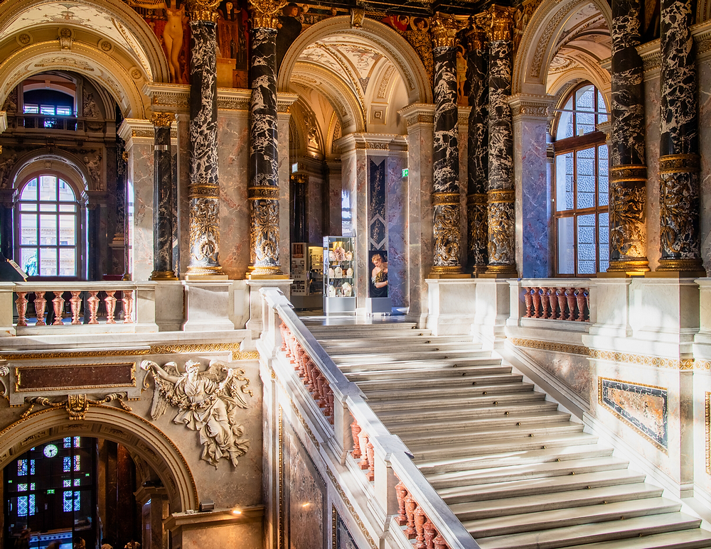 beautiful interiors of the Belvedere Palace