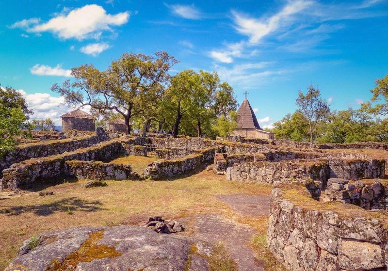 ruins of Cintania de Briteiros