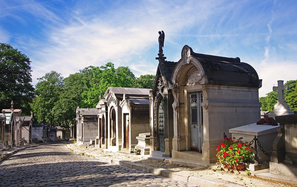 a road through Père Lachaise Cemetery