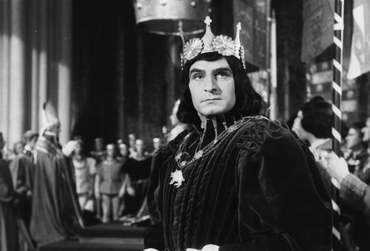 Richard III, played as an evil villain by Lawrence Olivier