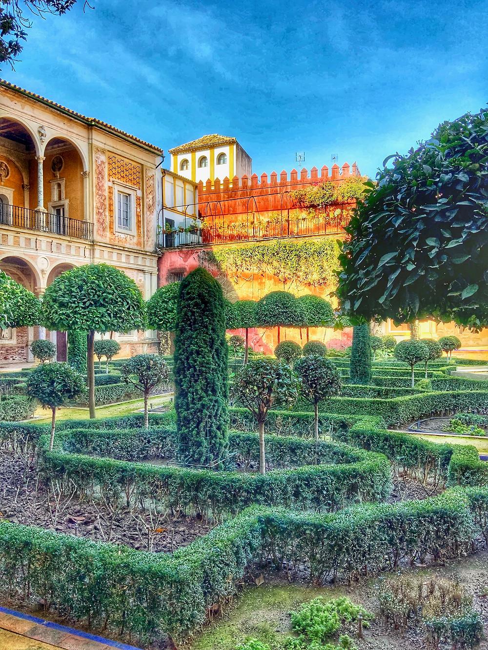 the large garden of Casa de Pilatos