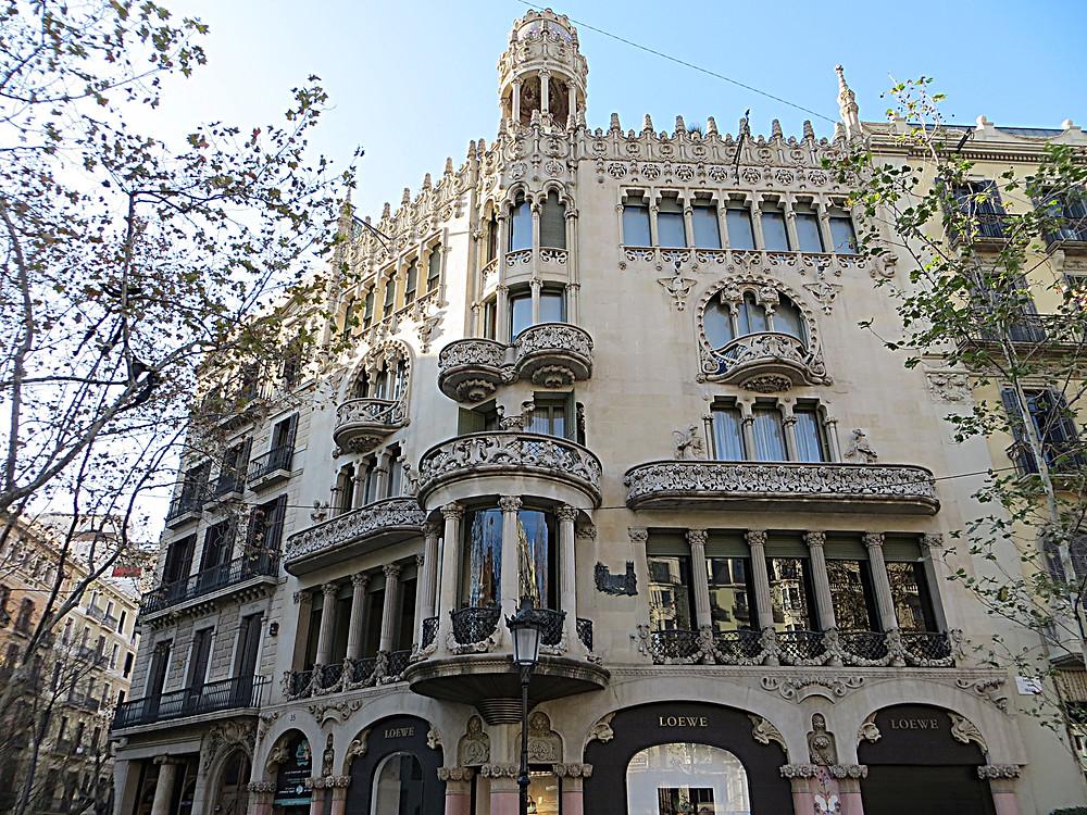 Casa Lléo Morera on the Block of Discord