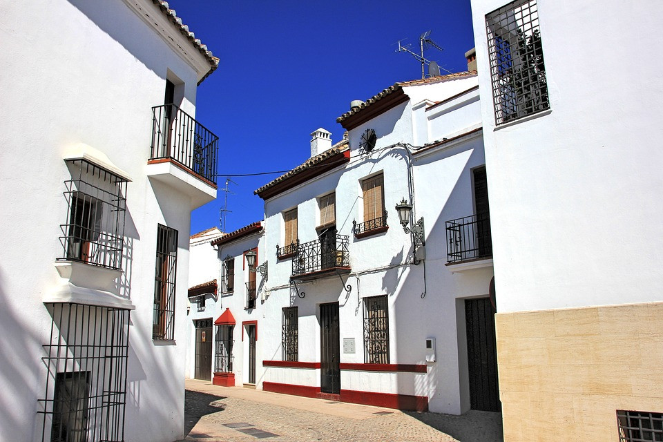 whitewashed homes in Ronda
