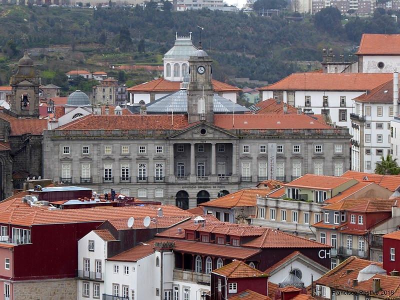 the Palácio da Bolsa in the old stock exchange building
