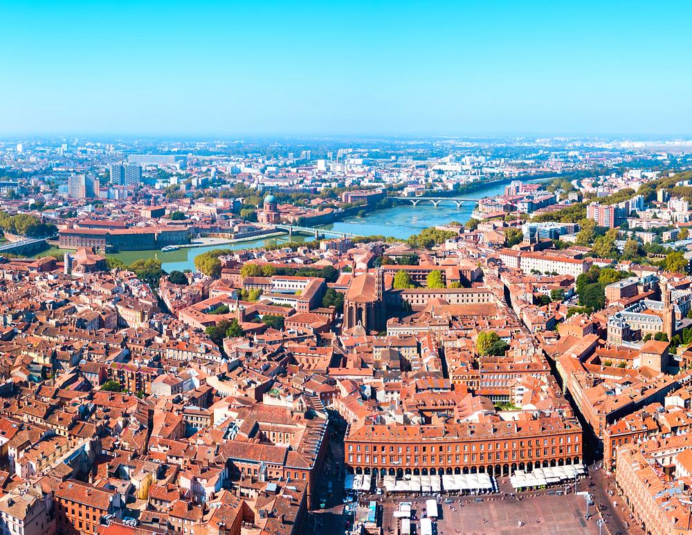 cityscape of beautiful Toulouse