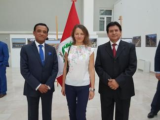 З паном послом та паном консулом Перу