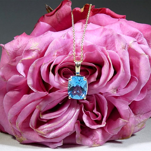 14k Yellow Gold Laurel Scroll Cushion Cut Swiss Blue Topaz Pendant Necklace