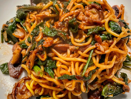 Asian Noodles With Spinach, Shitake Mushrooms in Spicy Yakisoba Sauce
