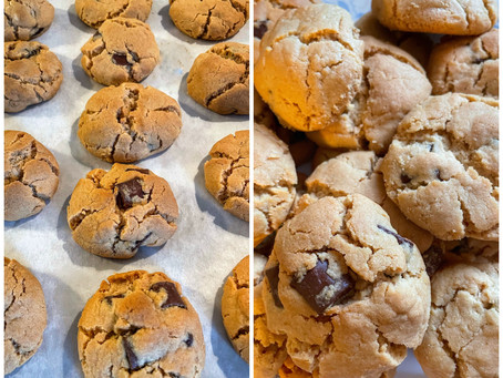 Vegan (or non) Peanut Butter Chocolate Chunk Cookies
