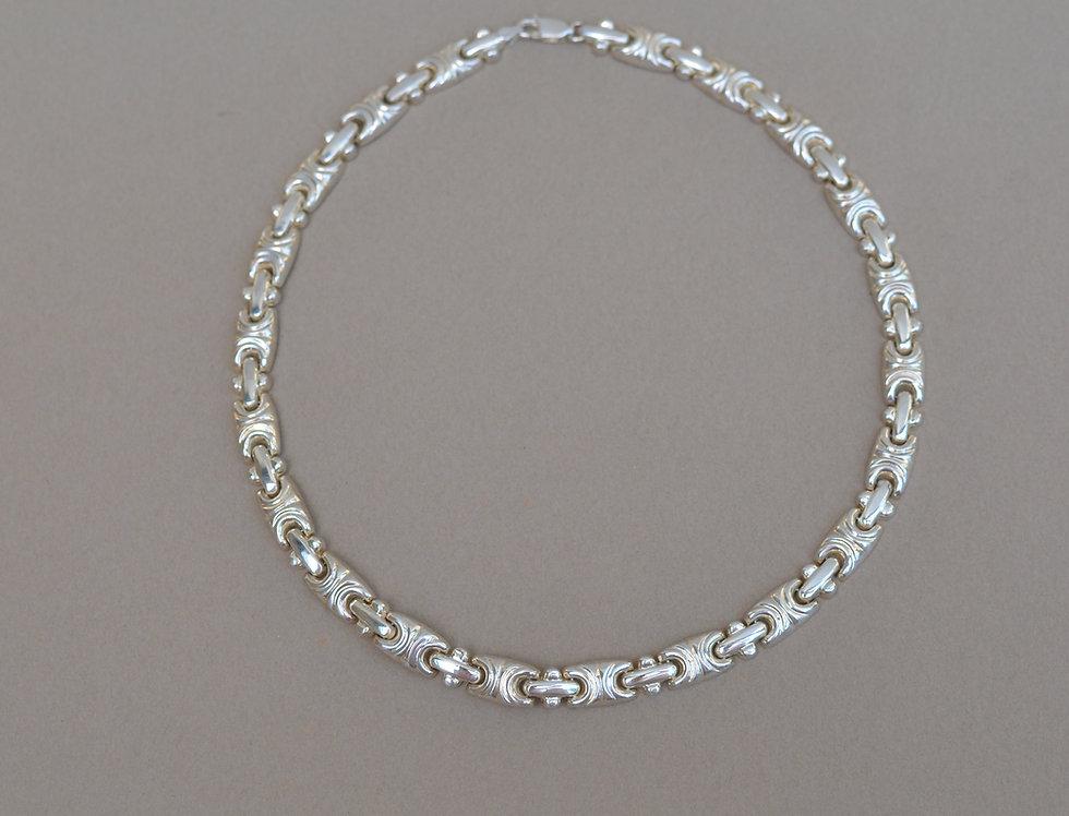 Reni Choker Necklace