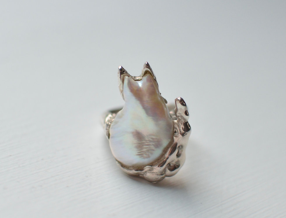 Kitty Pearl Ring
