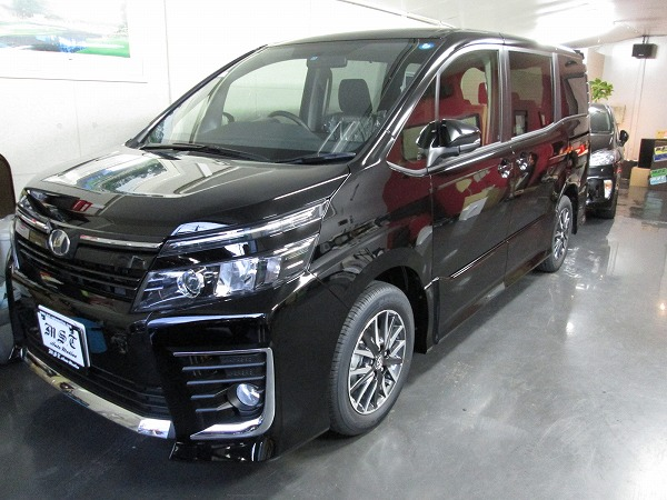 H27 VOXY ZS 新車