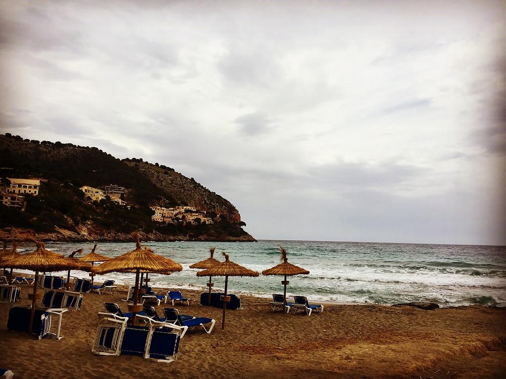 Der Strand von Canyamel im Nordosten von Mallorca