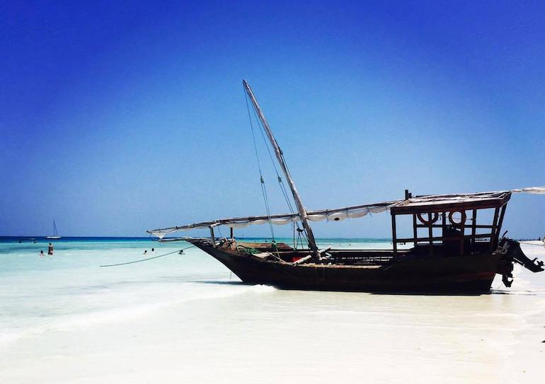 Atemberaubende Strand-Atmosphäre auf Sansibar, Tansania