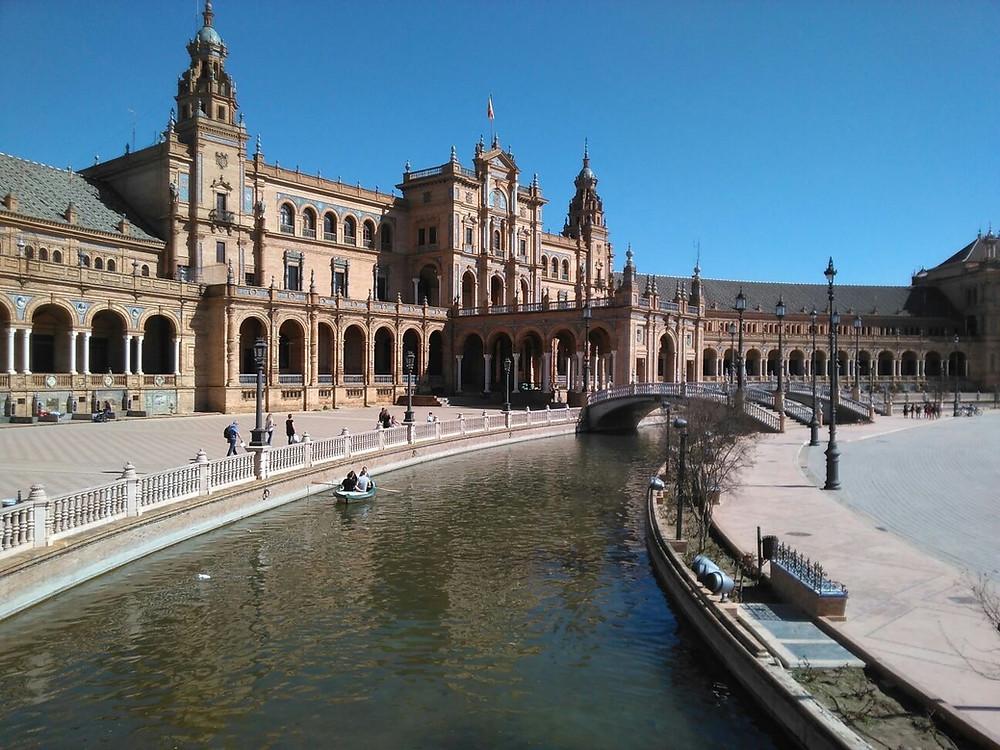 Der spanische Platz in Sevilla, der Hauptstadt Andalusiens (Spanien)