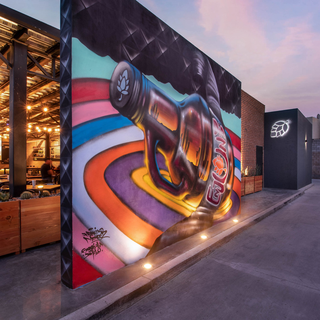 Mural graffiti Growler