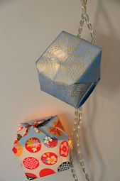 Guirlandes lumineuse cube orgami et papier japonais