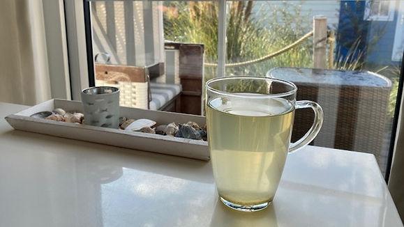 Wir starten in den Fasten-Morgen mit einem Tee und moderater Bewegung. Das bringt den Kreislauf in Schwung