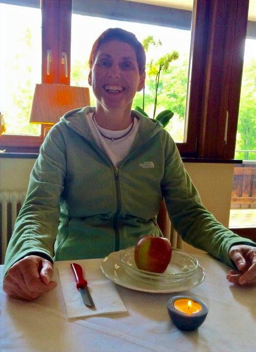 Die Fastentage beenden wir mit dem Fastenbrechen. Traditionell mit einem Apfel. Der beste Apfel Deines Lebens.