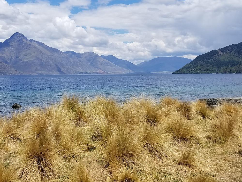 Озеро Вакатипу, Квинстаун, Новая Зеландия. Туры в Новую Зеландию. Экскурсии в Новую Зеландию.