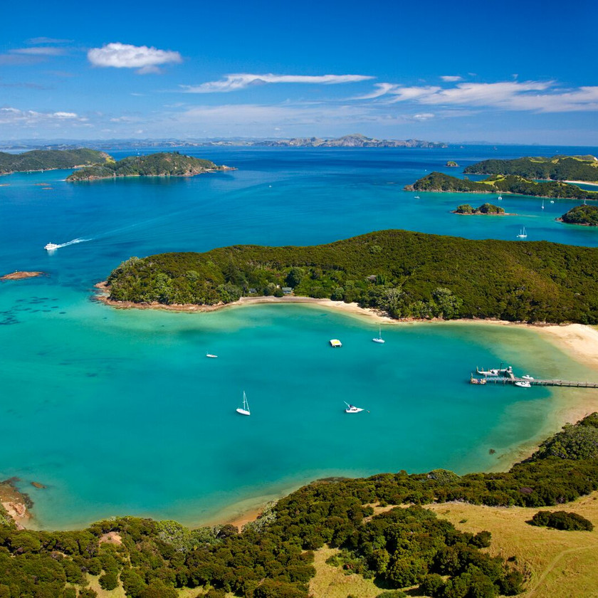 Guided Day Tour ex Auckland to Bay of Islands with Hole in the Rock Cruise
