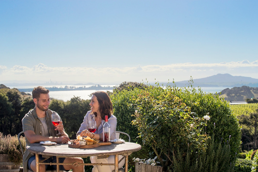 Auckland City Sights and Waiheke Wine Tour