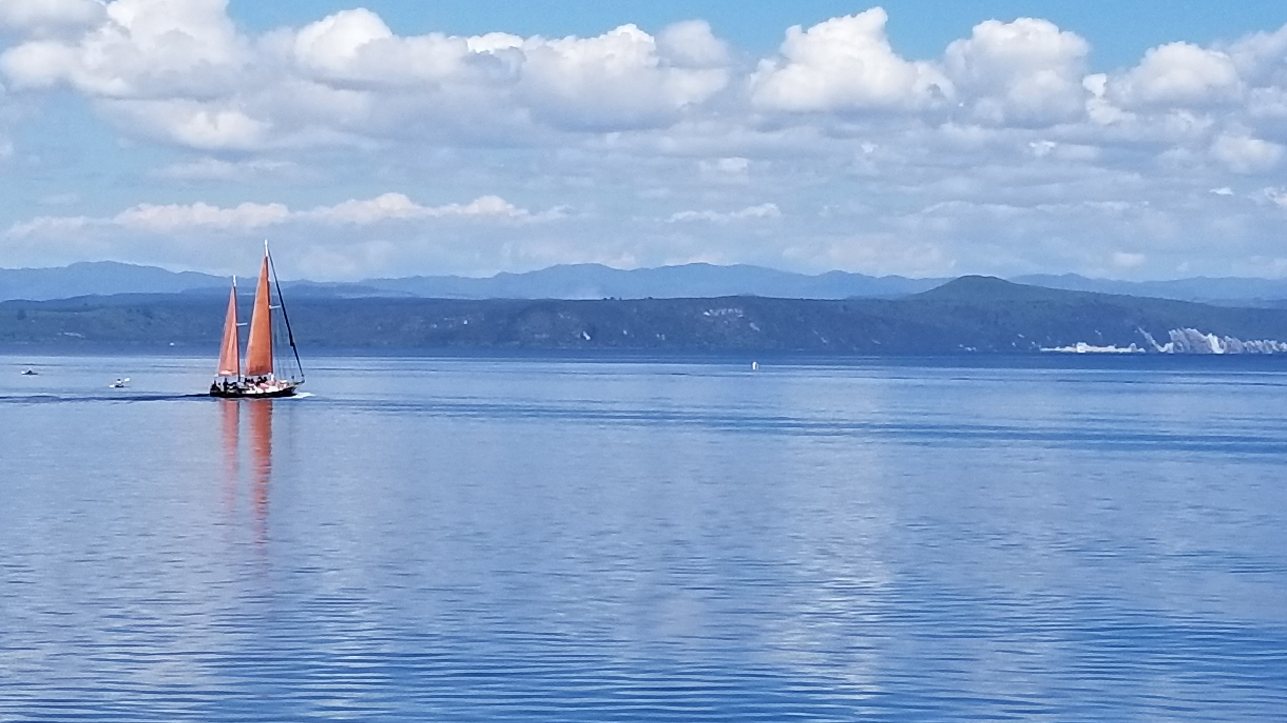 Taupo lake, New Zealand activities, New Zealand attractions