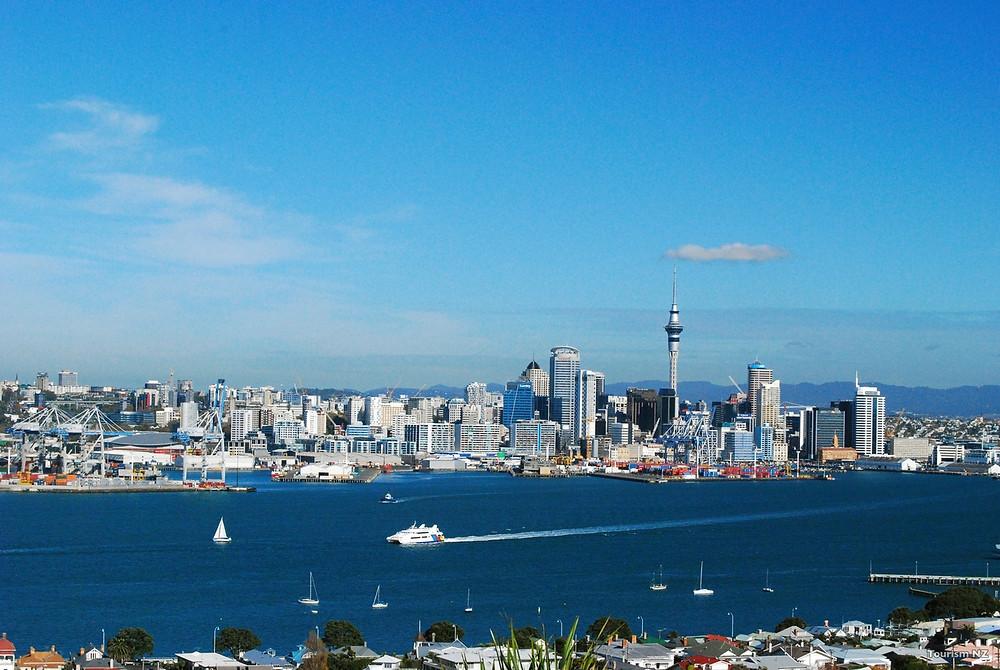 Вид на Окленд с горы Виктория, Новая Зеландия. Туры в Новую Зеландию.