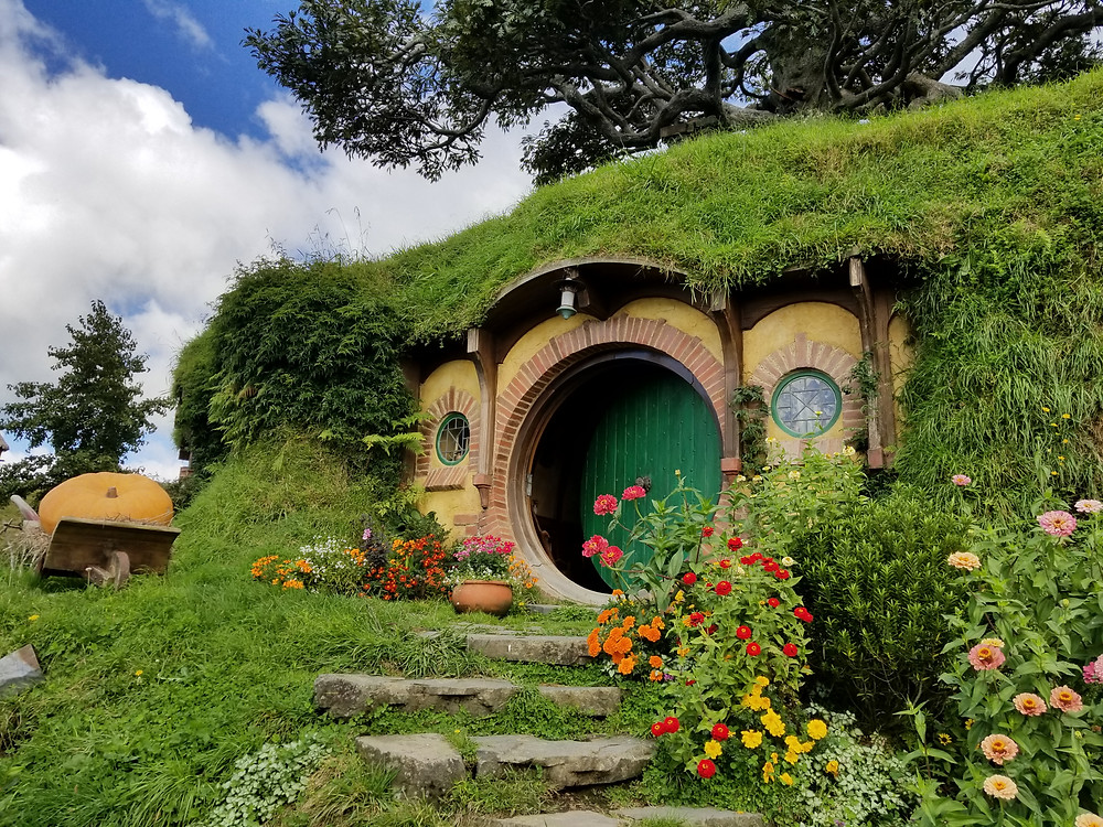 Bag End, Hobbiton, group tour to New Zealand