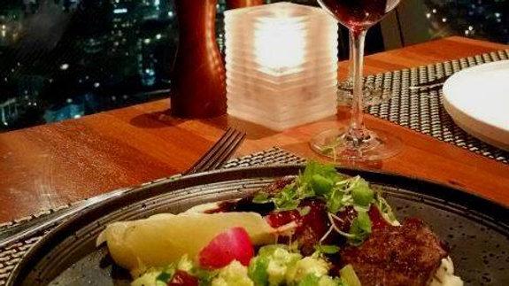 Ужин в ресторане Орбита на оклендской башне Sky Tower. Туры в Новую Зеландию. Гид в Новой Зеландии Экскурсии в Новой Зеландии