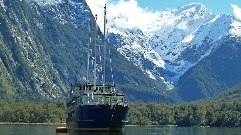 Круиз по фиорду Милфорлд Саунд, Новая Зеландия. Туры в Новую Зеландию. Экскурсии в Новой Зеландии.