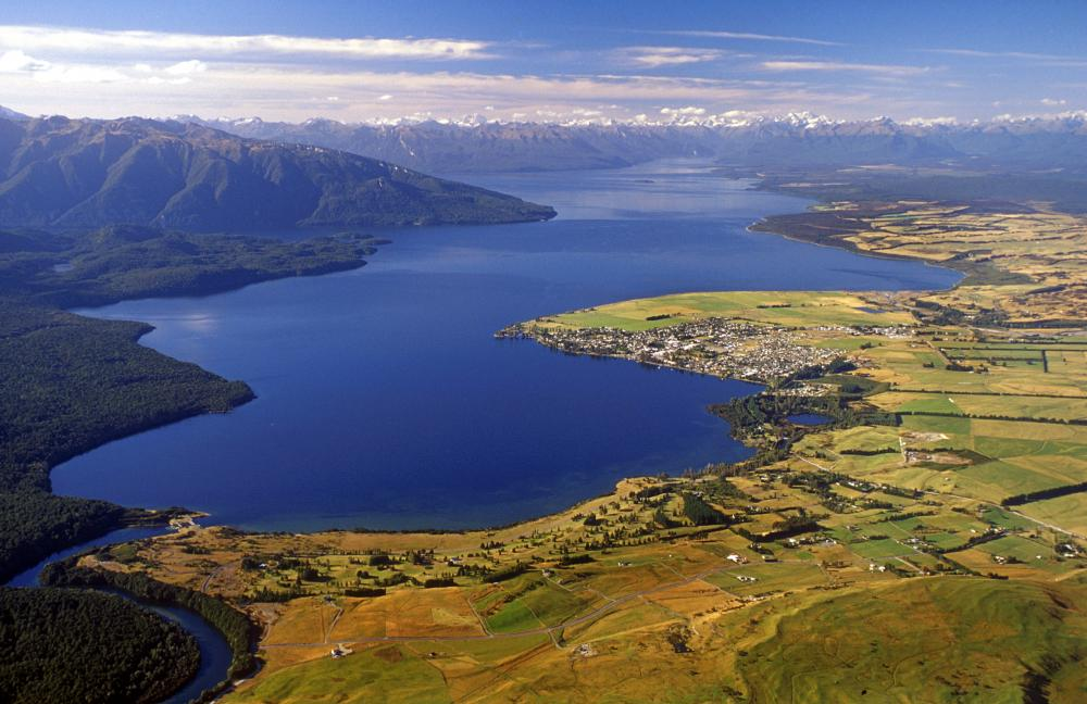 Lake Te Anau, New Zealand attractions, New Zealand activities
