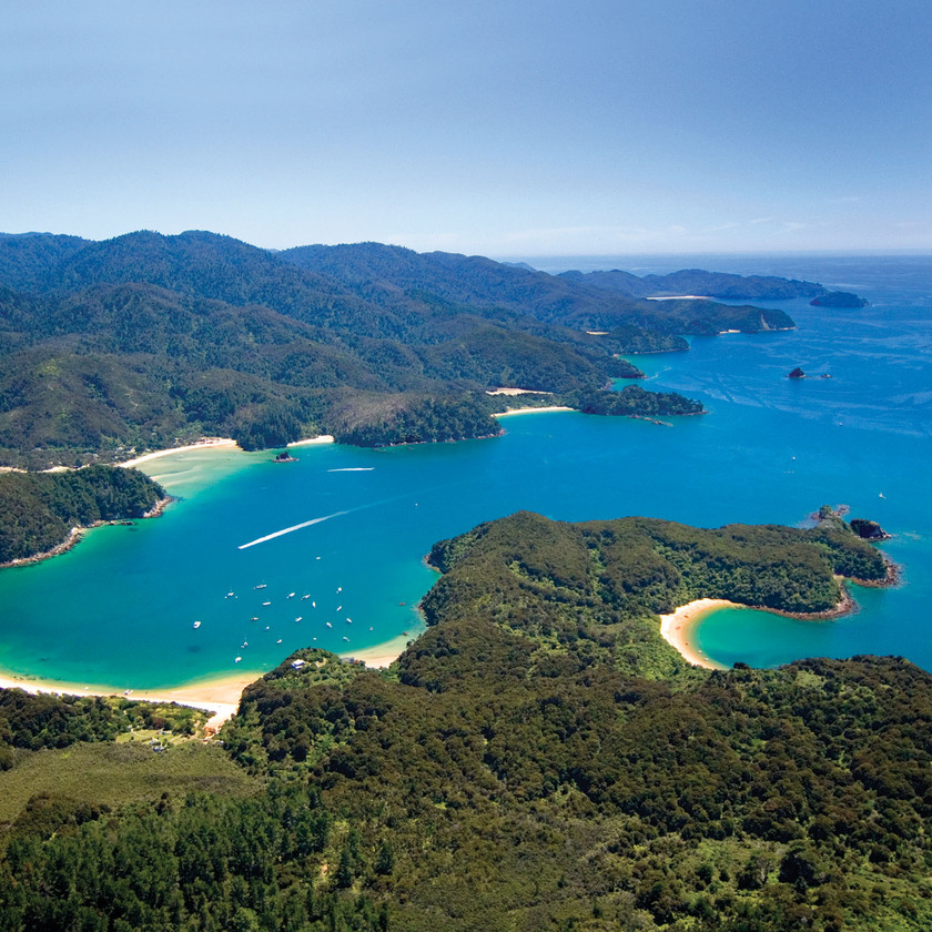Abel Tasman Kayaking: Half Day Kayak with Water Taxi