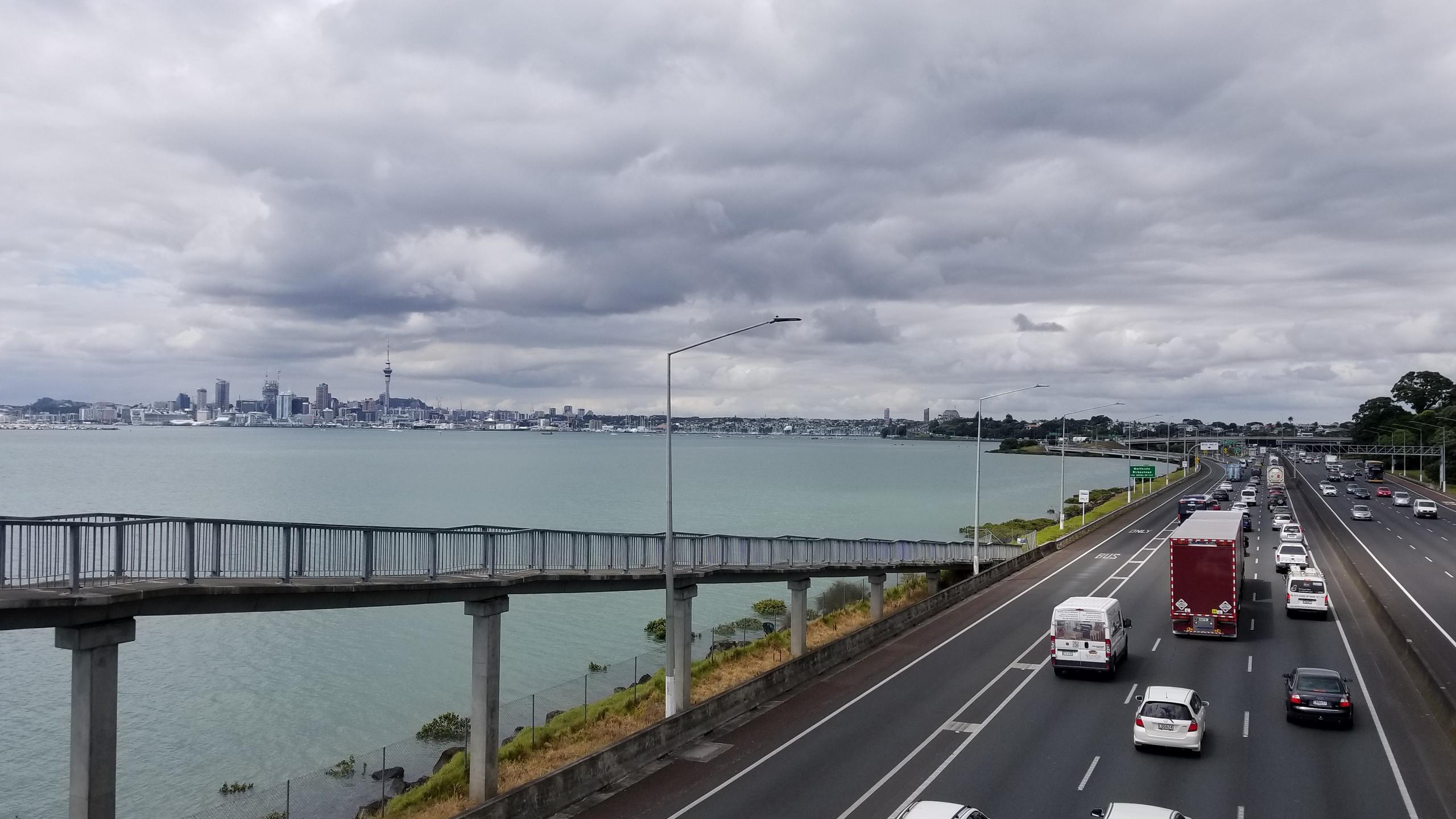 Auckland motorway, New Zealand attractions, New Zealand activities