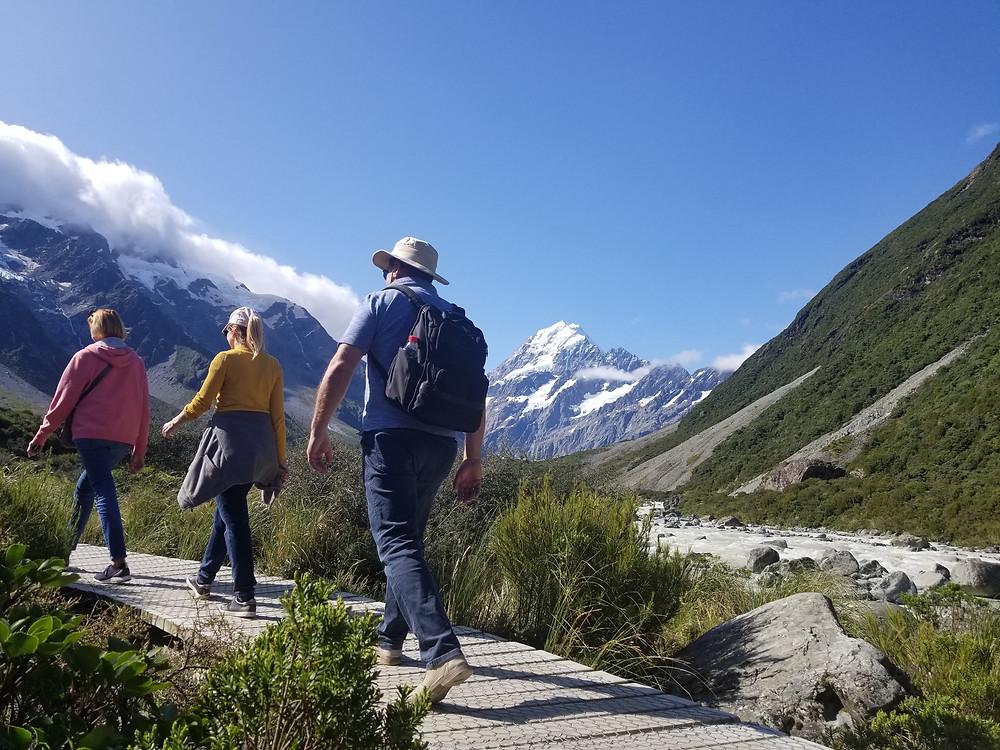 Трекинг в долине Хукер, гора Кука, Новая Зеландия. Групповой тур в Новую Зеландию.