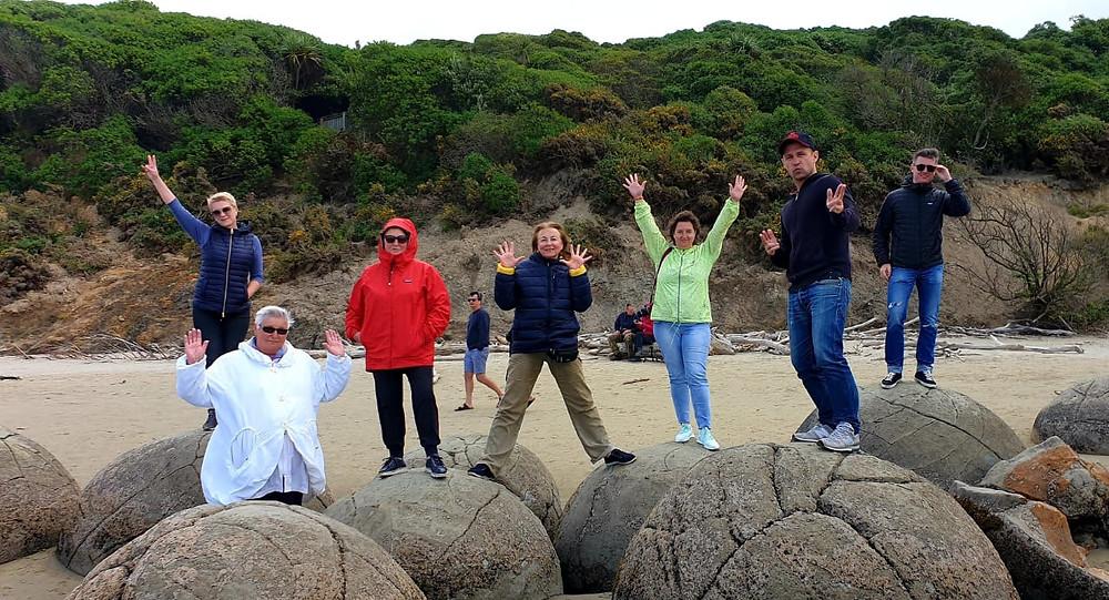 Камни Моераки, Данидин, Новая Зеландия. Групповой тур в Новую Зеландию, туры в новую Зеландию.