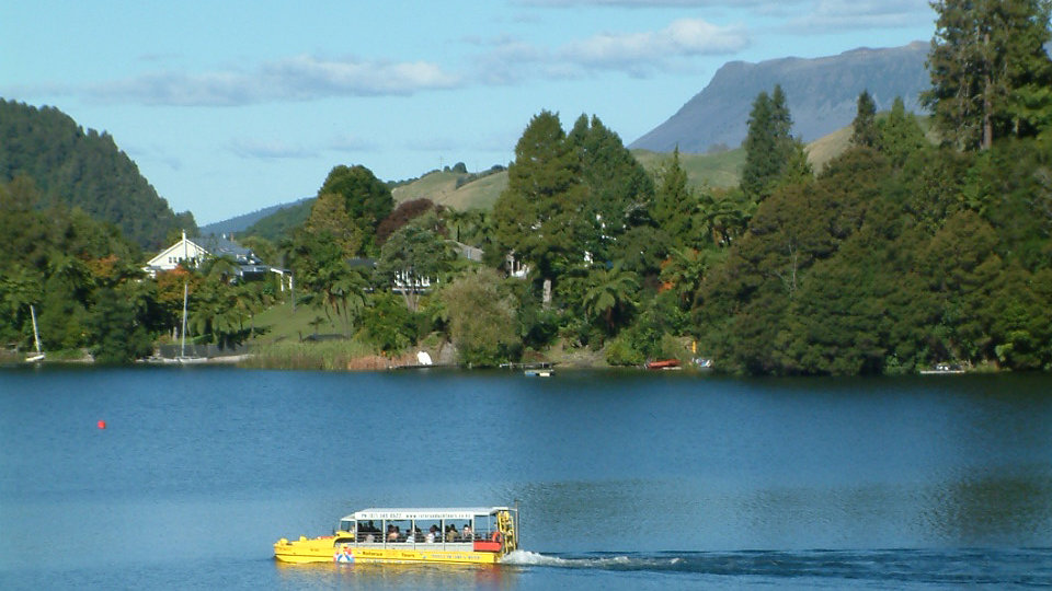 Rotorua City & Lakes Tour by Amphibian Vehicle
