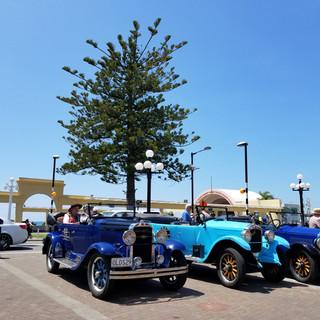 Ретро-автомобили в Нэпье