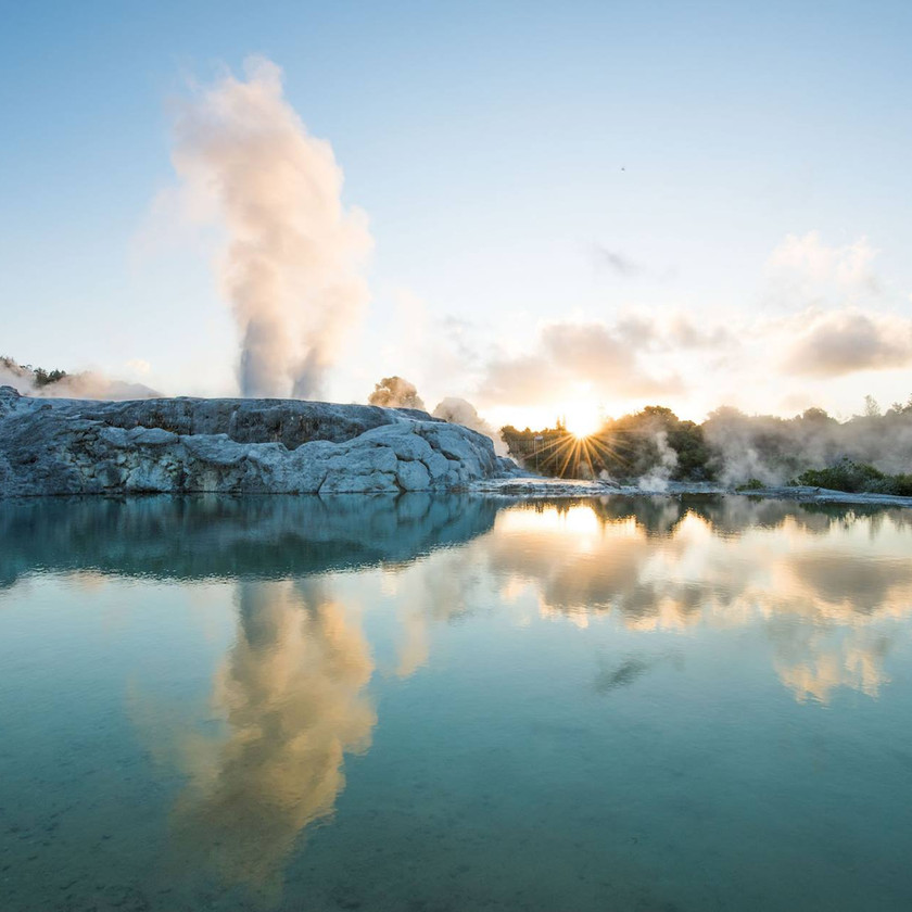 Guided Day Tour Auckland - Rotorua - Auckland