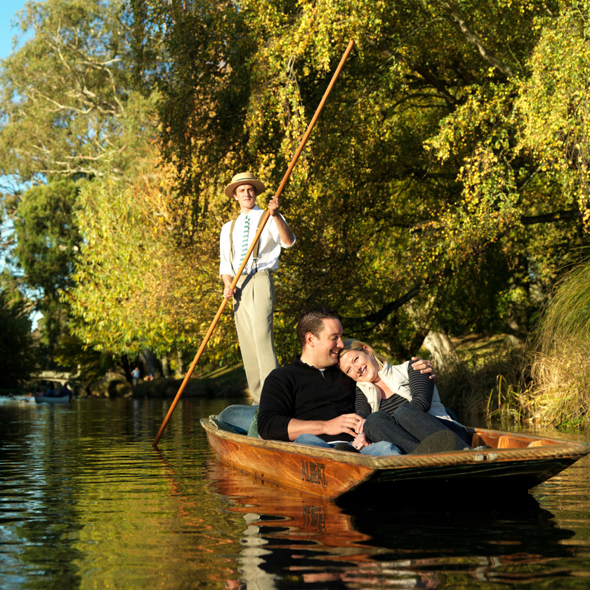 Christchurch Punting on the river Avon. Private tour.