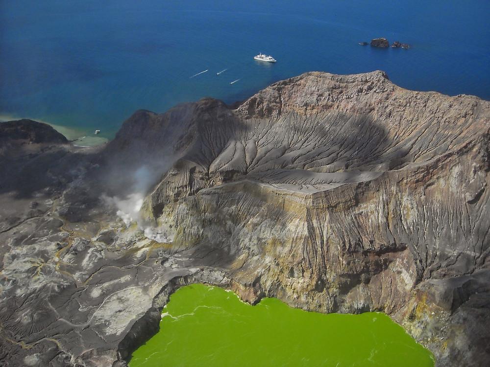 Вулкан Белый остров, Новая Зеландия. Туры в Новую Зеландию. Гид в Новой Зеландии.