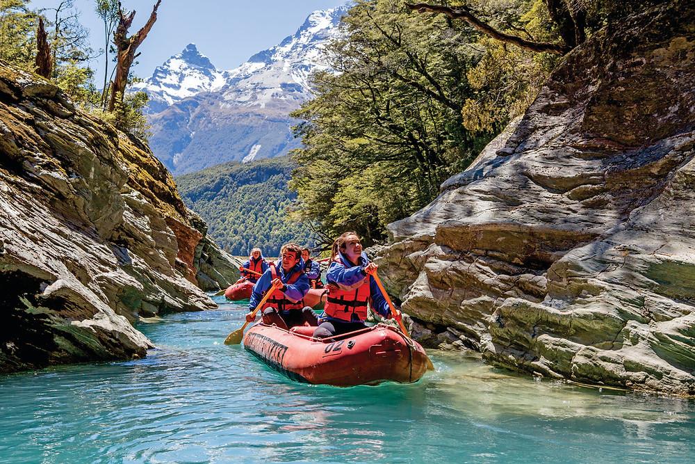 Каякинг на реке Дарт, Квинстаун, Новая Зеландия. Туры в Новую Зеландию. Экскурсии в Новую Зеландию.