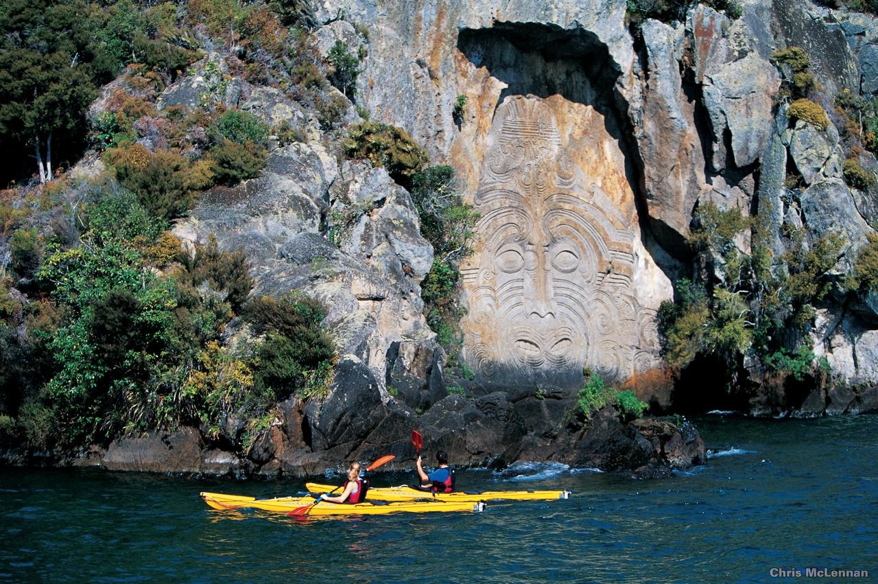 Kayaking on lake Taupo, New Zealand activities, New Zealand attractions