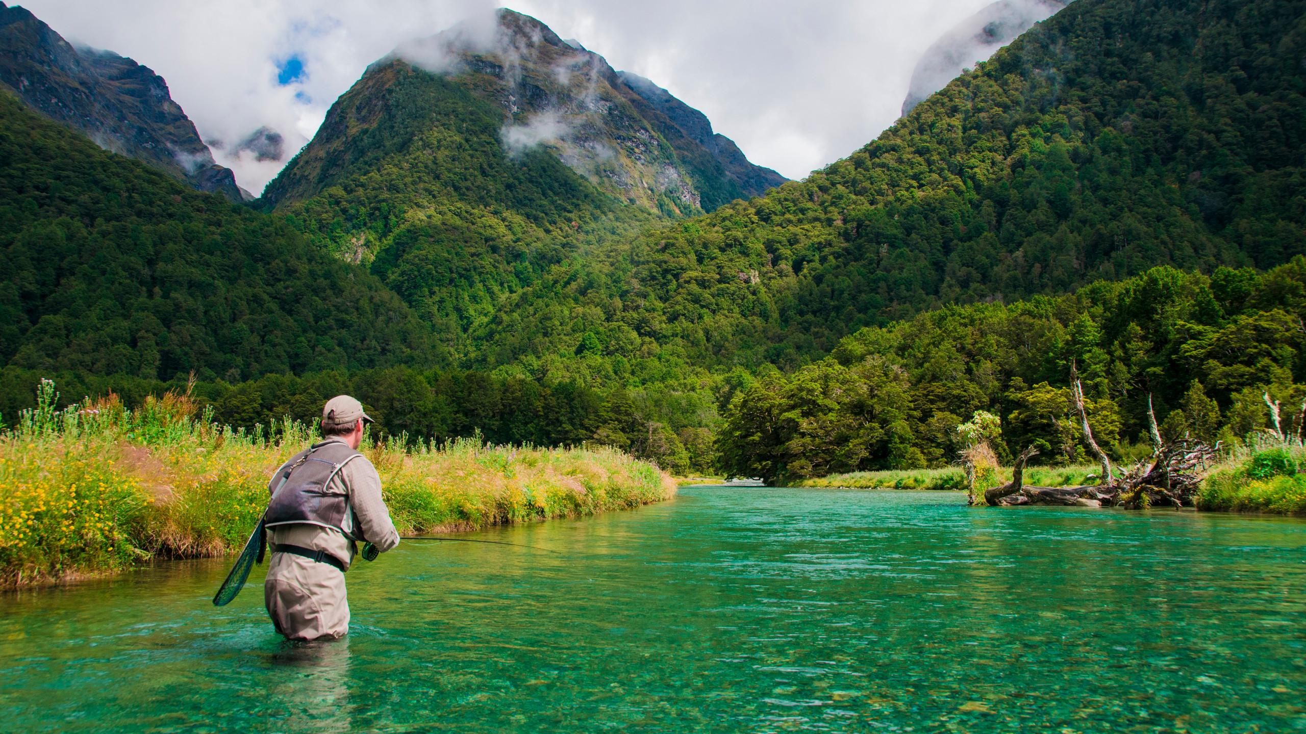 Fishing in Fiordland National Park New Zealand