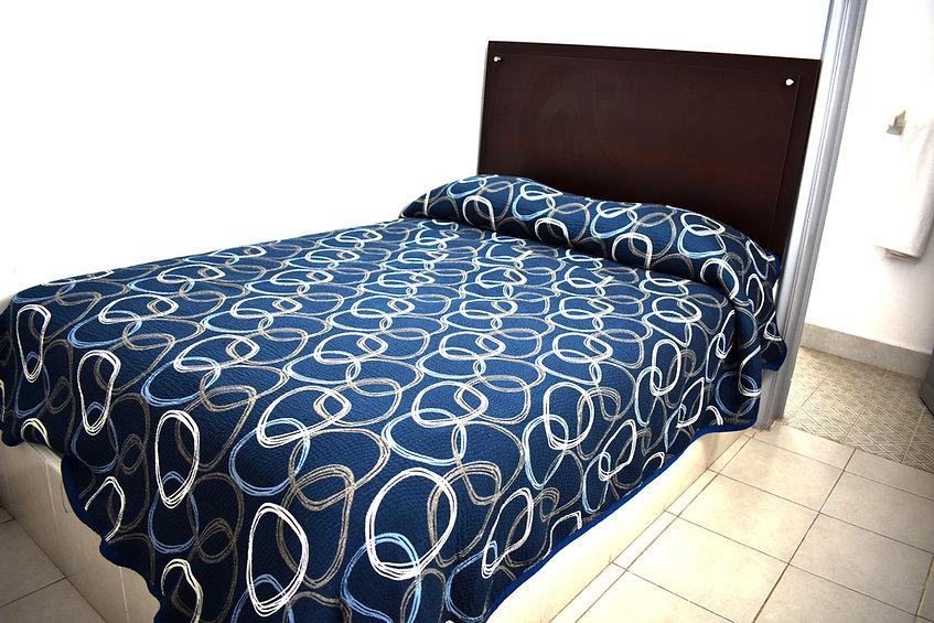 habitación estándar, cama dos personas, hotel León
