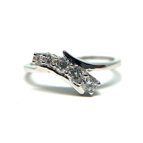 14K white gold diamond journey ring. Graduated size diamond ring. White gold diamond ring. White gold right hand ring. White.