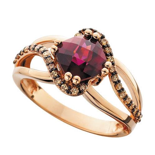 Rose gold garnet ring. Champagne diamond ring. Brown diamond and garnet ring. Rose gold garnet ring. January birthstone ring.