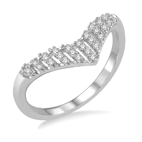10K white gold diamond chevron row ring. Arrow ring. Triangle diamond ring. Chevron diamond ring. White gold diamond ring.