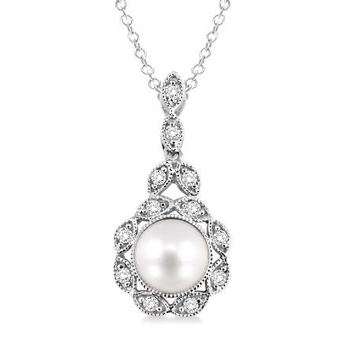 Freshwater pearl drop pendant necklace. Diamond and freshwater pearl necklace. Diamond and freshwater pearl pendant.