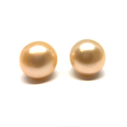 Champagne gold freshwater pearl stud earrings. Pearl studs. Pearl earrings. Champagne pearl earring studs. Gold pearls. Gold.